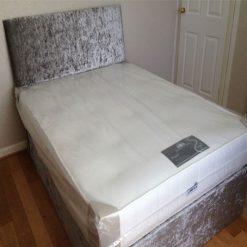 Crushed velvet divan